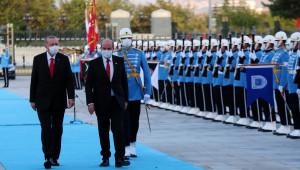 Cumhurbaşkanı Erdoğan Ersin Tatar'ı resmi tören ile karşıladı