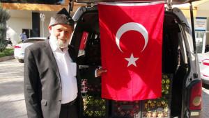 Denizli'den Urfa'daki askerlere elma getirdi