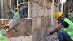 Eski Urfa sokaklarında cephe çalışması