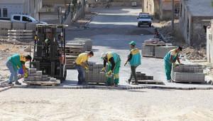 Karaköprü'de yol açma çalışmaları