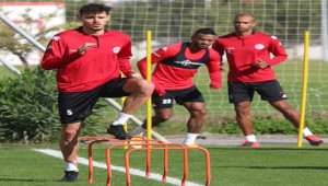Antalyaspor, 1 futbolcuda korona virüs şoku