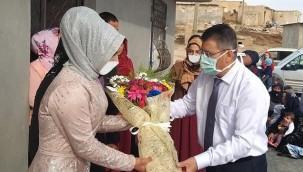 Organ nakli doktorunu nişanına davet etti