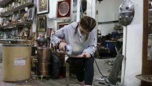 Türkiye'nin tek bakır kadın kalaycısı