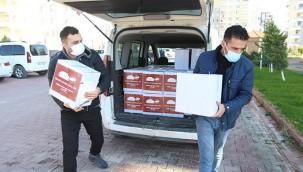 Esnafa destek şifa paketleri dağıtıldı