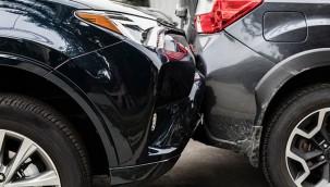 Kamyonet ile otomobil çarpıştı: 4 yaralı