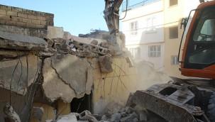 78 metruk yapı yıkıldı