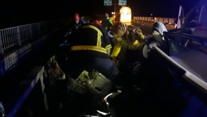 Bariyere çarpan otomobilin sürücüsü öldü