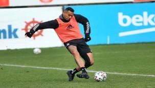 Beşiktaş, Souza'nın sözleşmesini uzattı