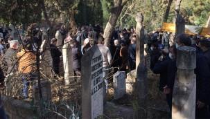 Gazeteci Güler'in eşi son yolculuğuna uğurlandı