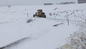 Güneydoğu'da karla mücadele sürüyor