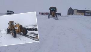 Karla mücadele 120 araçla sürüyor