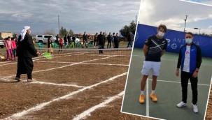 Köylülere tenisi sevdiren öğretmen Antalya'da