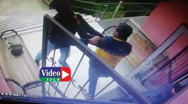Sağlık personeline saldırı kamerada