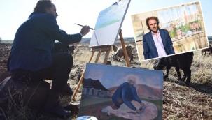 Siverekli çoban, ressamlara taş çıkartıyor