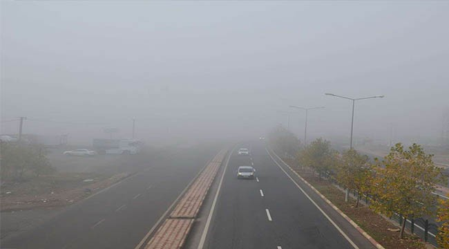 Yoğun sis ulaşımı zorlaştırdı