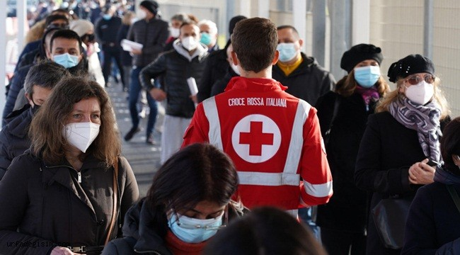 İtalya'da Covid-19'a bağlı 18 bin vaka