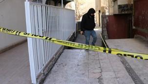 Kuyumcu ve berbere silahlı saldırı: 2 yaralı