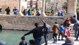Balıklıgöl ziyaretçi akınına uğradı