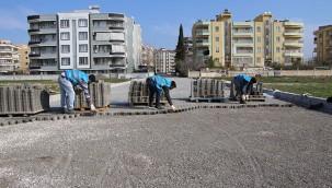Haliliye'de parke döşeme çalışmaları sürüyor