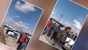 Şanlıurfa'da vatandaşlar yolu kapatıp lastik yaktı