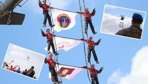 11 Nisan etkinliklerinde SOLOTÜRK gösteri yaptı