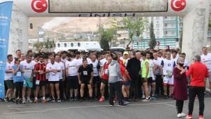 450 Sporcu yarıştı