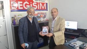Abacıoğlu, kitabını gazetemiz için imzaladı