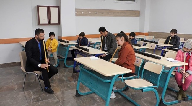 Anadolu İmam Hatip Lisesinde ney kursu veriliyor