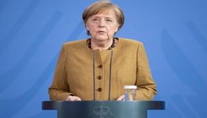 Başbakan Merkel aşı oldu
