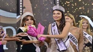 Güzellik yarışmasında Türk manken üçüncü oldu
