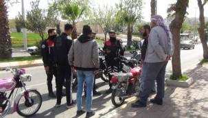 Kent merkezinde motosikletler denetlendi