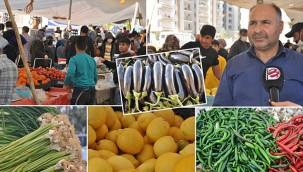 Semt pazarında Ramazan alışverişi