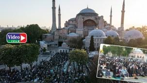 87 yıl sonra ilk Bayram namazı kılındı