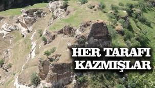 Define avcıları tarihi yapılara zarar veriyor