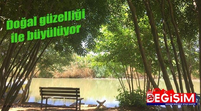 Küçük göl turistleri bekliyor