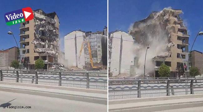Hasarlı  bina korna sesi ile yıkıldı