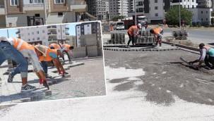 Kilitli parke döşeme çalışmaları sürüyor