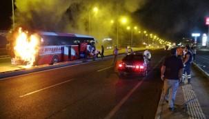 Faciadan dönüldü; Yolcu otobüsü cayır cayır yandı