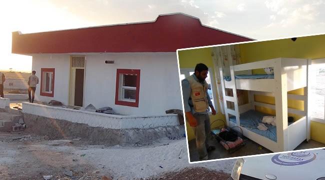 İhtiyaç sahibi aileye yeni ev yapıldı