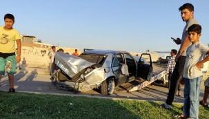 Otomobildeki 3 kişi yaralandı
