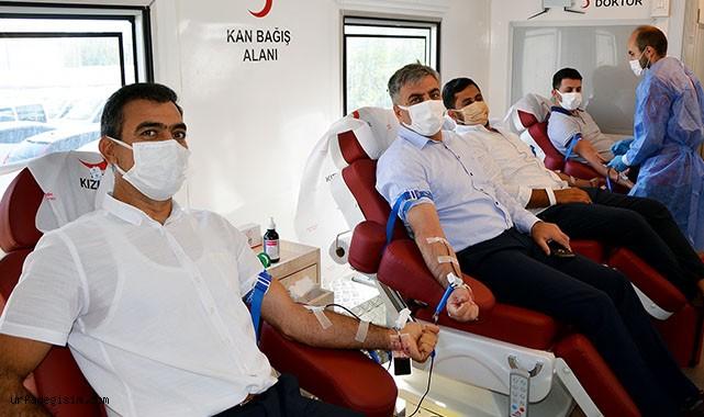 Dicle Elektrik çalışanlarından kan bağışı