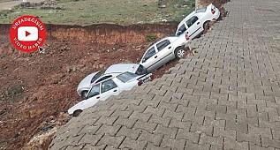 Toprak kaymasında arabaların çökme anı